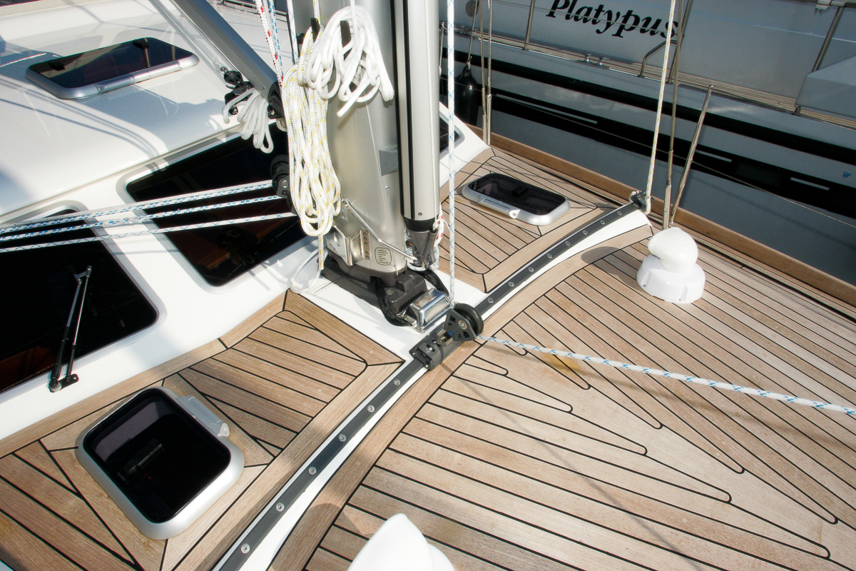 The self tacking jib system of a Nordship 40 deck saloon