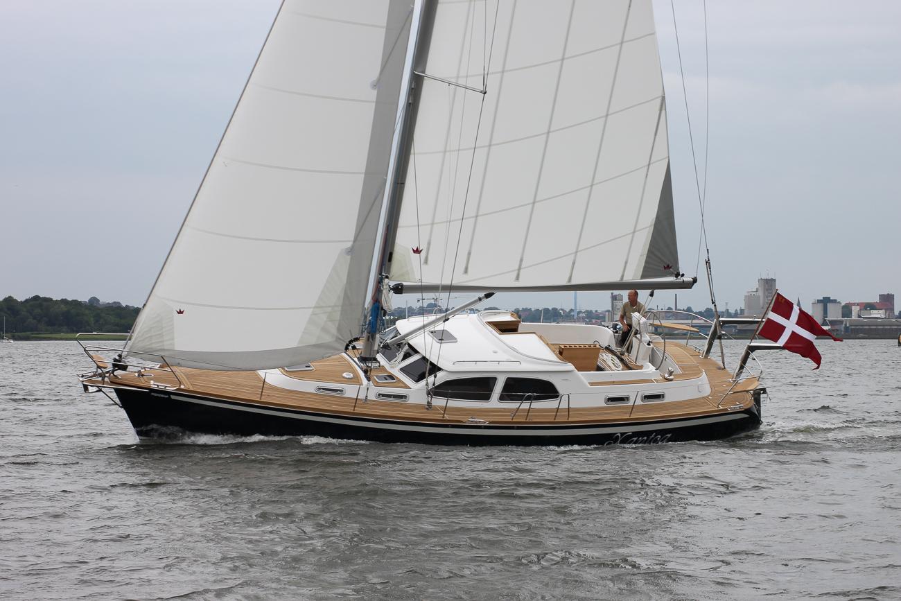 Nordship 430 deck saloon