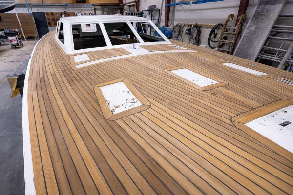 The flush deck of the Nordship 570 DS