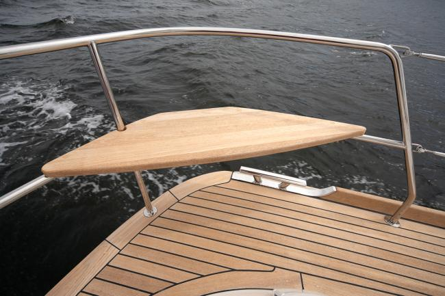 Custom build deck saloon yacht